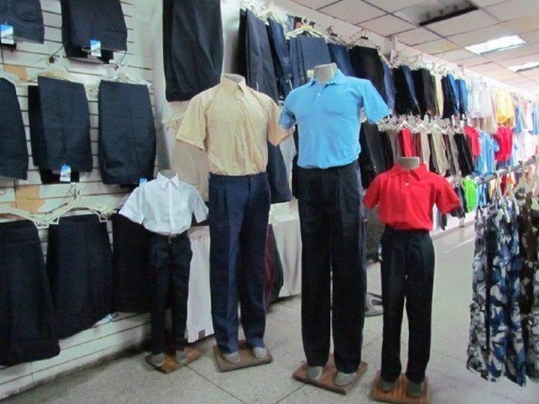 Recesión en venta de uniformes escolares por clases virtuales