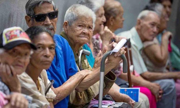 ¡Atención pensionados! Estafan a los abuelos con compra falsa de petros