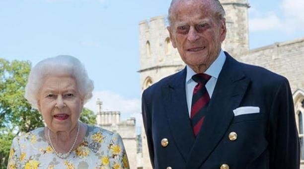 Hospitalizaron al príncipe Felipe, esposo de la reina Isabel II