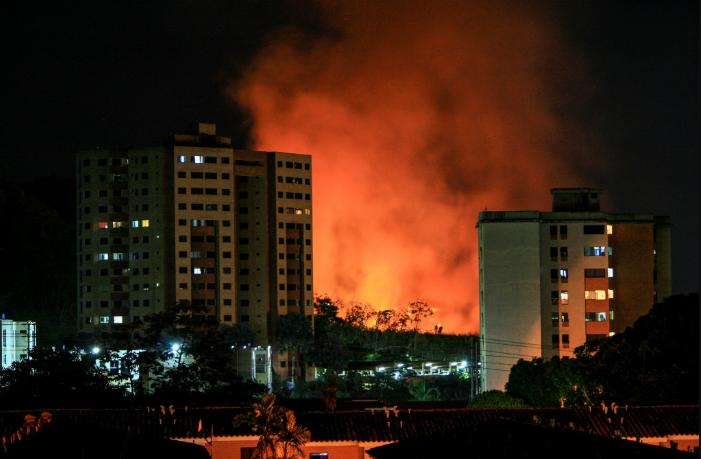 incendio de vegetación en Mañongo