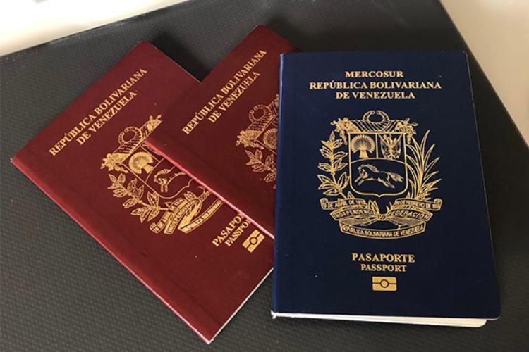 Chile extiende vigencia de pasaportes venezolanos