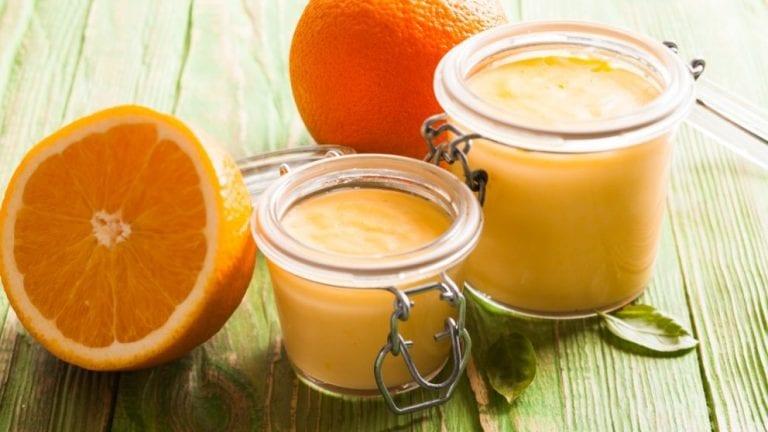 Aprende a preparar un postre cremoso de naranja con solo 4 ingredientes
