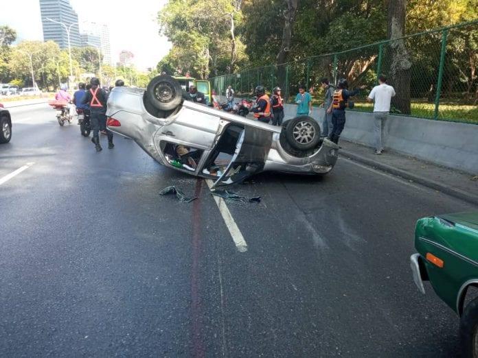 Accidente de tránsito en Francisco Fajardo - Accidente de tránsito en Francisco Fajardo