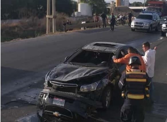 Accidente frente a la Palmolive dejó un conductor lesionado