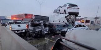 Colisión múltiple en autopista de Texas
