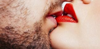 Un beso atrincherado - Un beso atrincherado