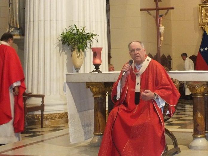 Arzobispo de Valencia fue hospitalizado