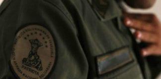 Detenidos cinco militares por abusar de una oficial