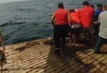 personas rescatadas por ferry tras naufragio en Sucre
