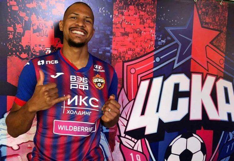 Venezolano Salomón Rondón vuelve al fútbol de Rusia