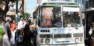Dos cadáveres enviados en transporte público petare