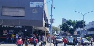 Comerciantes exigen trabajar durante la semana radical
