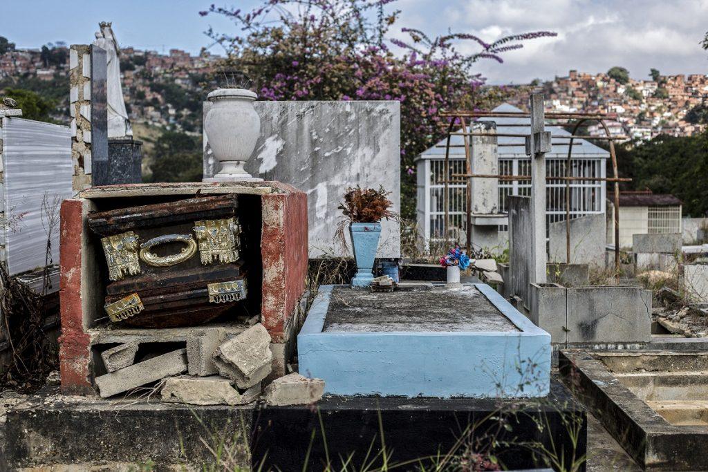 Cementerio de Caracas profanado