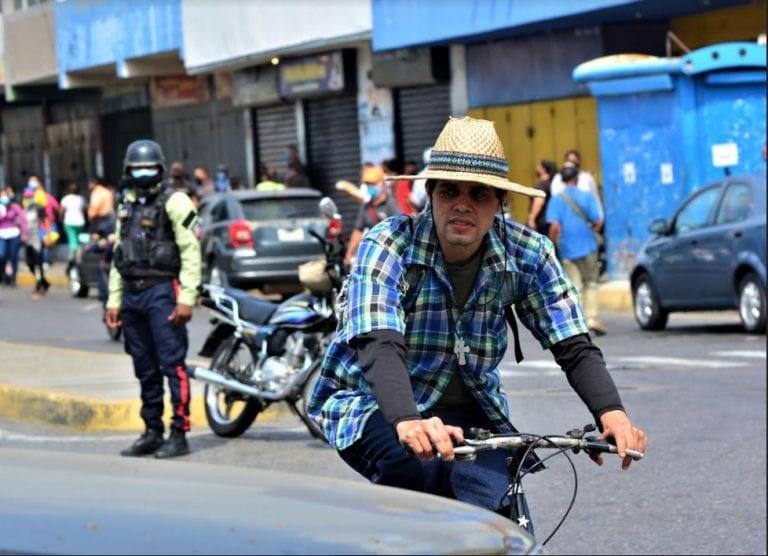 Segundo día de cuarentena y las personas siguen sin tapabocas (FOTOS)