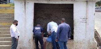 Hallan feto dentro de un basurero en La Guaira - Hallan feto dentro de un basurero en La Guaira