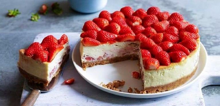 Aprende a preparar una cheesecake de fresa para los chamos