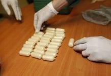 Dos personas con dediles de cocaína en Carabobo