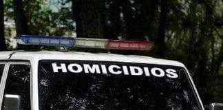 Asesinan a comerciante dentro de su vehículo