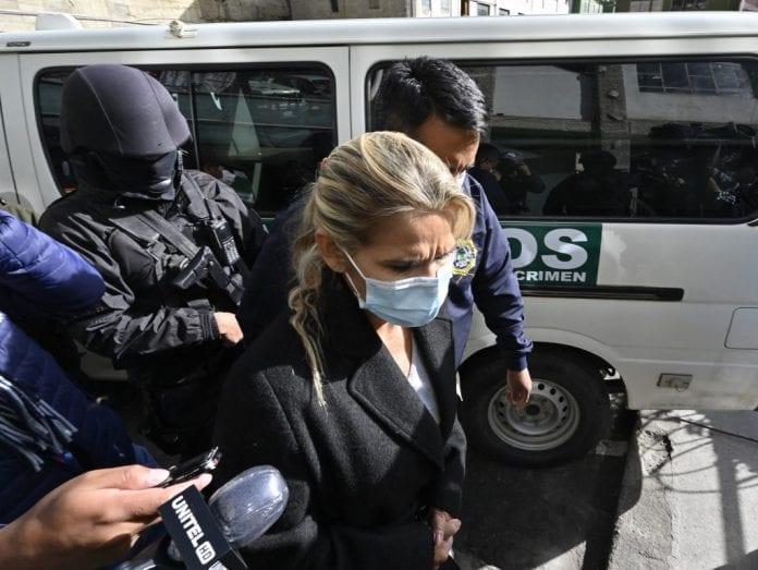 Jeanine Áñez es trasladada a otra prisión