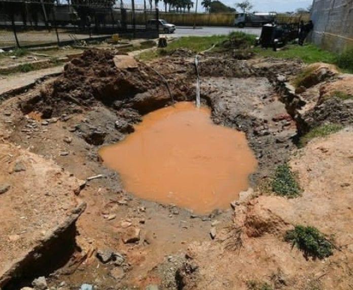 reparar bote de agua en Av. Lisandro Alvarado - reparar bote de agua en Av. Lisandro Alvarado