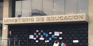 Ministerio de Educación y trabajadores - Ministerio de Educación y trabajadores