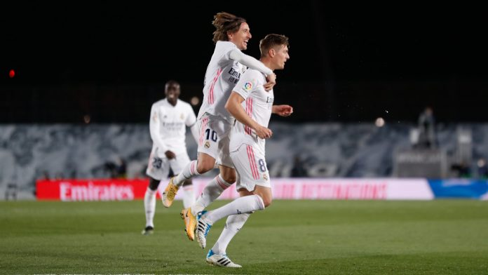 Real Madrid alcanzó la cima de La Liga barcelona