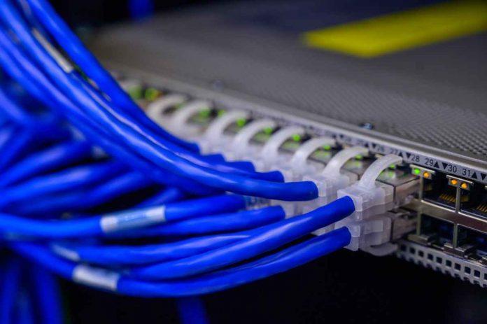 Doble corte de fibra óptica Cantv oriente de Venezuela