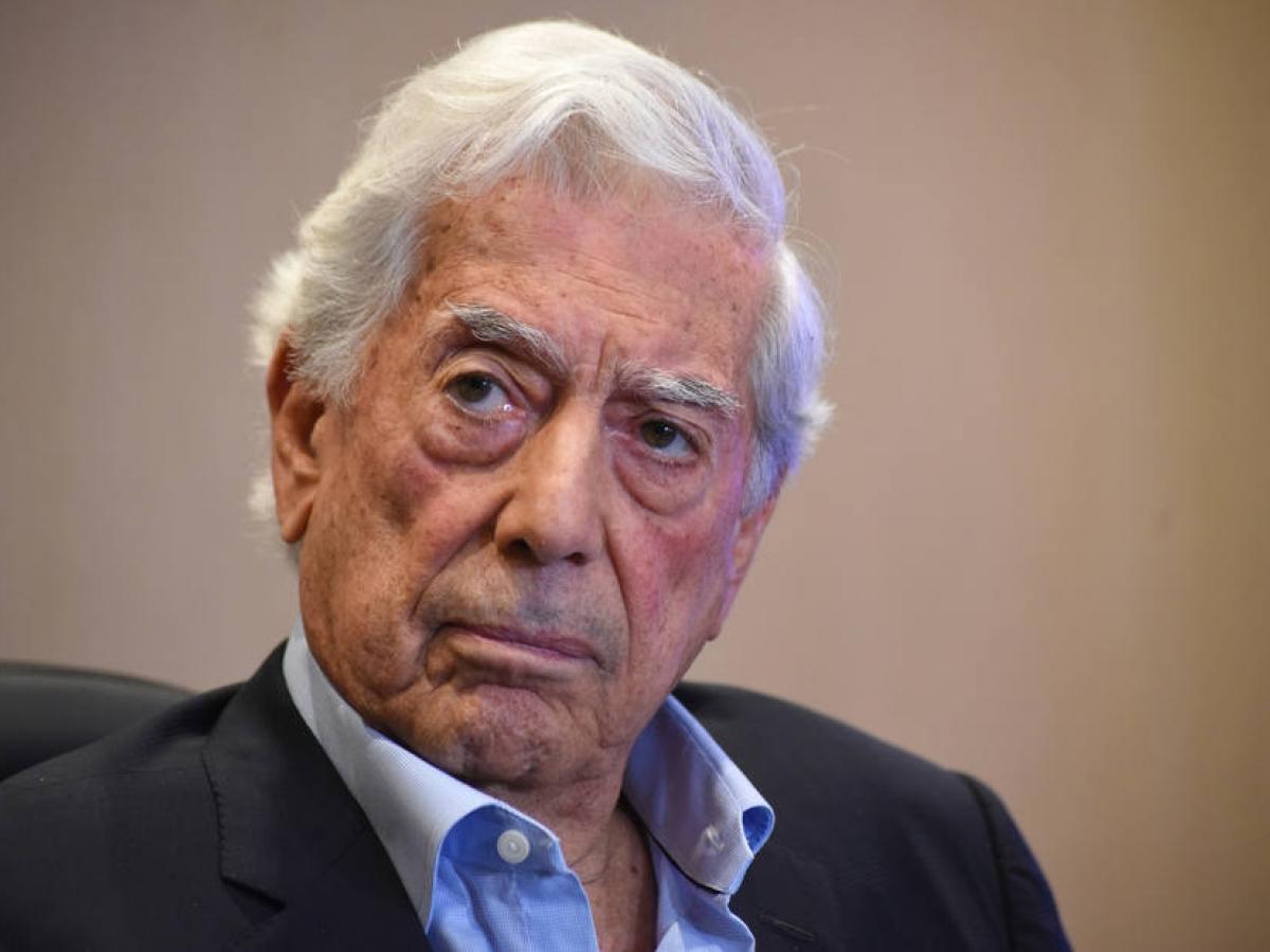 Mario Vargas Llosa - Mario Vargas Llosa