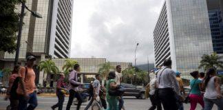Mitad de los venezolanos valora negativamente el servicio eléctrico