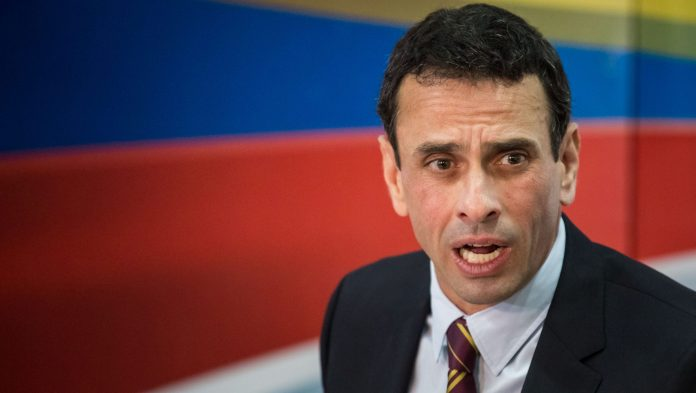 Enrique Capriles dio sus condolencias a familiares de Aristóbulo Istúriz