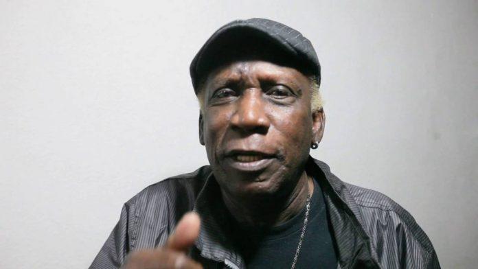 Murió el cantante Henry Stephen