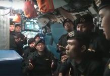 Tripulación del submarino indonesio cantó - Tripulación del submarino indonesio cantó