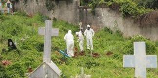 entierran a fallecidos por Covid-19 en fosas comunes el junquito