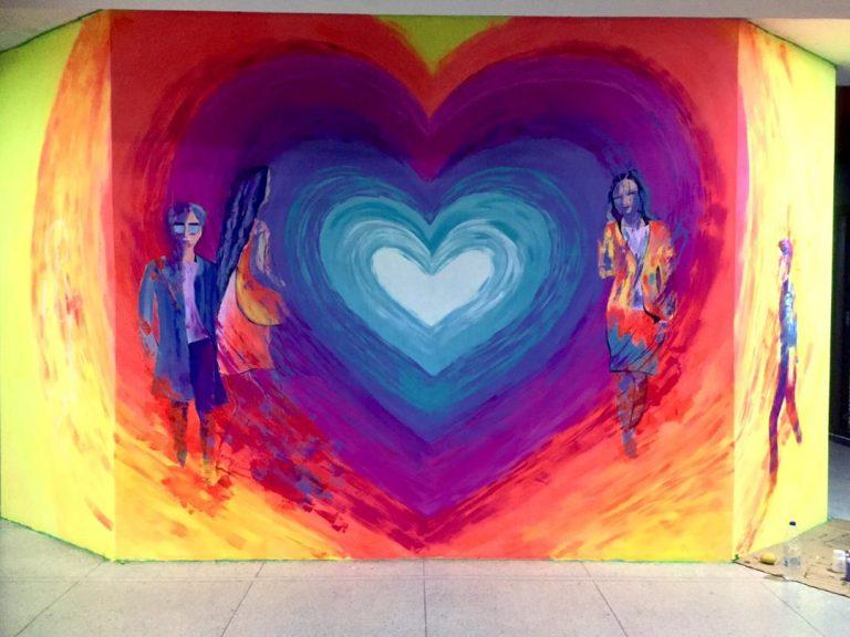 Valencia comienza a latir con «El Hilo del Amor» mural hecho por Armary Prado
