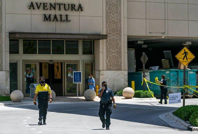 Tiroteo en Aventura Mall de Miami