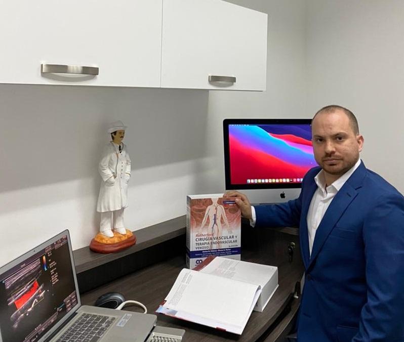 El cirujano cardiovascular Carlos Durán