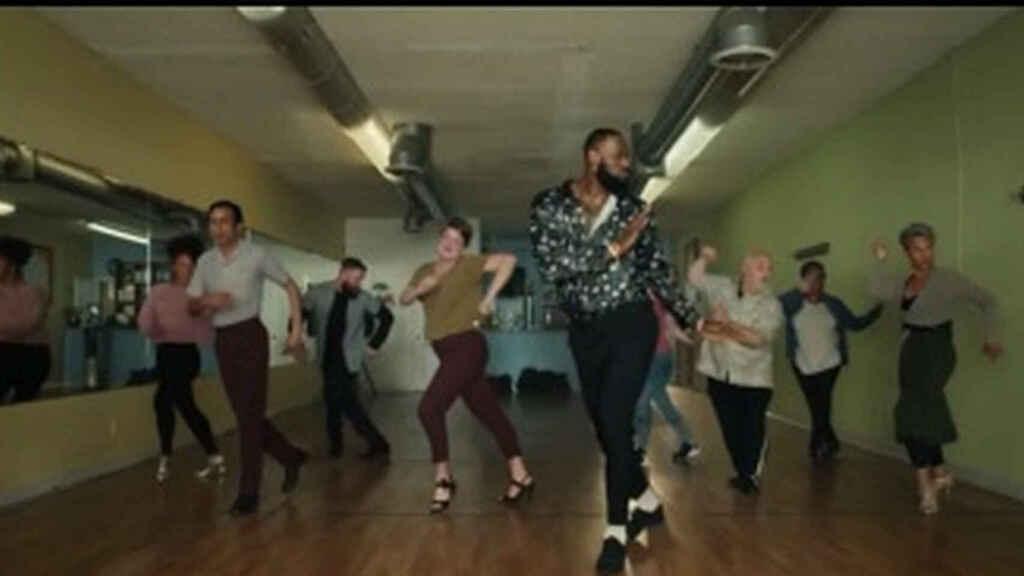 LeBron James baila salsa - LeBron James baila salsa