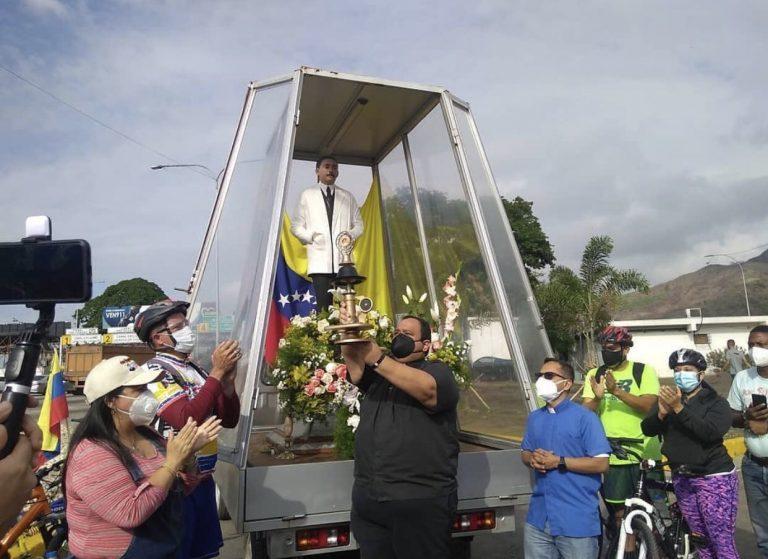 En Carabobo llegó la reliquia del beato José Gregorio Hernández
