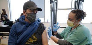 Estadounidenses vacunados contra Covid-19