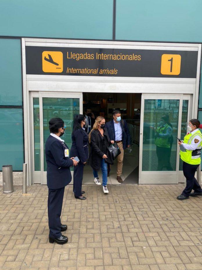 Leopoldo López arribó a Perú - Leopoldo López arribó a Perú