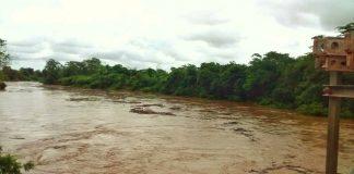 Desbordamiento de un río en Machiques - Desbordamiento de un río en Machiques