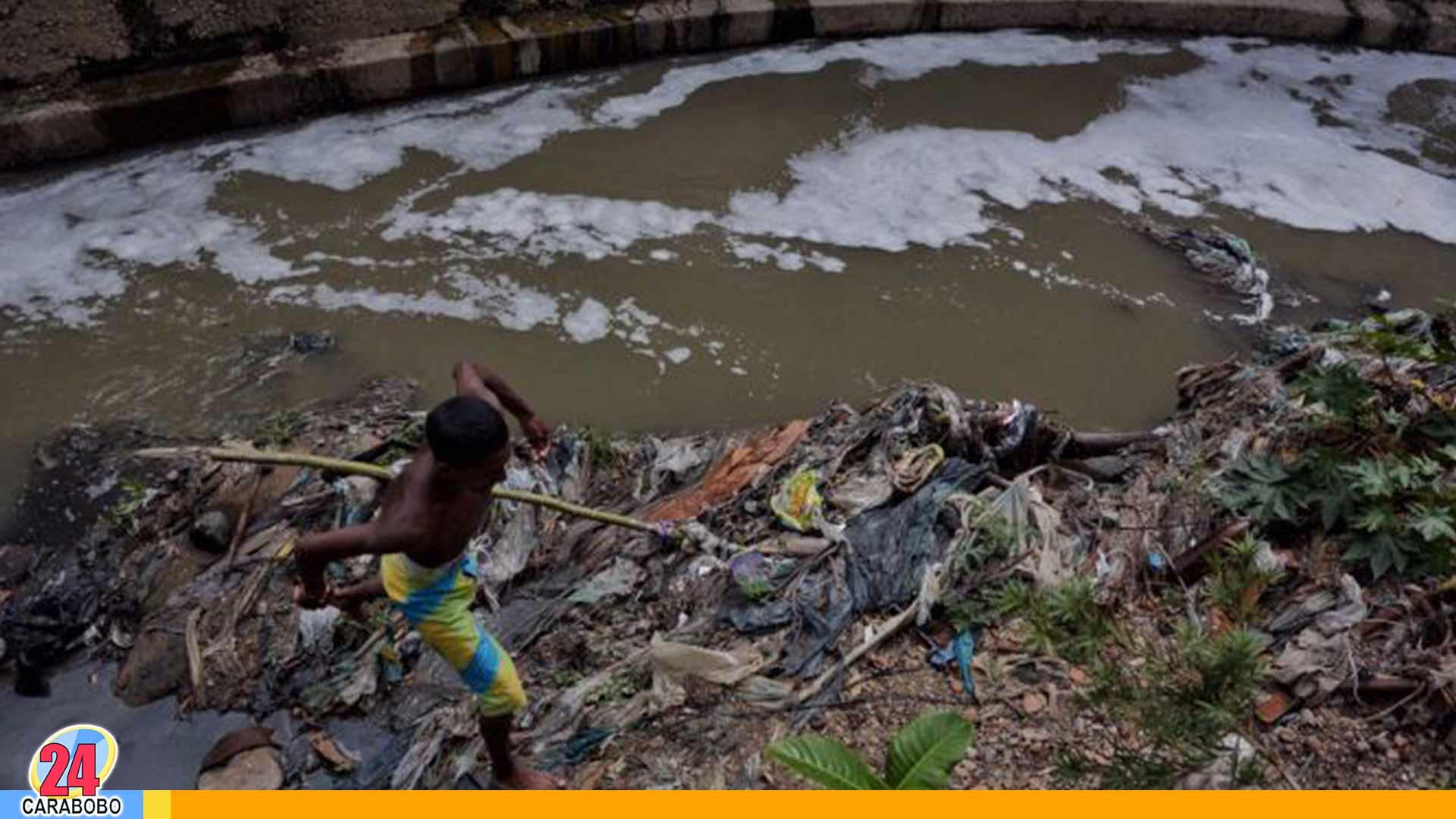 Mineros en el Río Guaire - Mineros en el Río Guaire