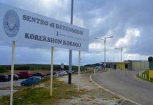 Encierran a migrantes venezolanos indocumentados con delincuentes en Curazao