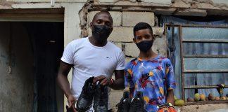 Joven carabobeño recibió implementos deportivos