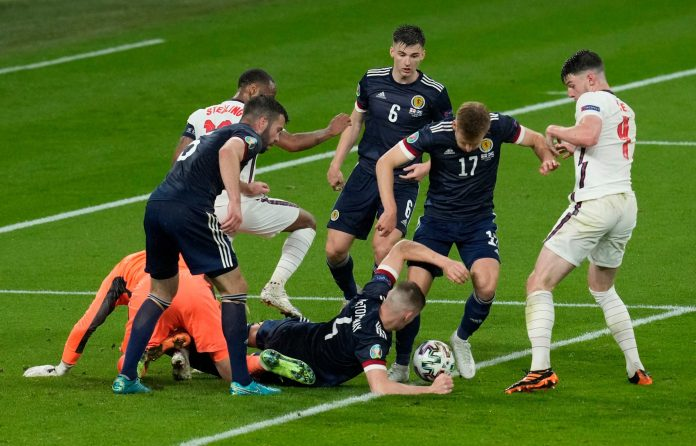 Inglaterra y Escocia no pasaron del empate sin goles en la Eurocopa
