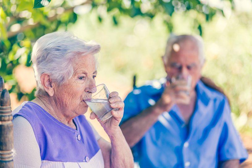 Adultos mayores ingieren proteína animal  - Adultos mayores ingieren proteína animal