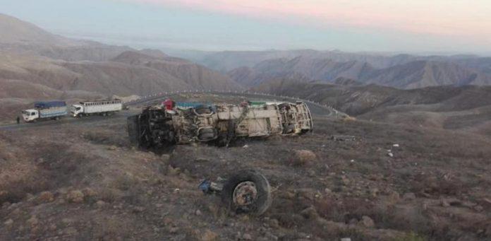 autobús cae al precipicio en Perú