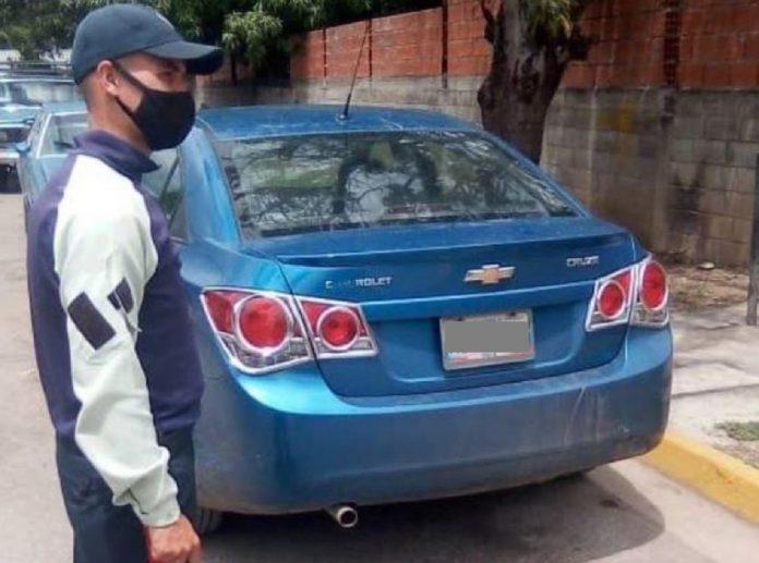 Balearon a una mujer y robaron su carro con su hijo a bordo en Ocumare del Tuy