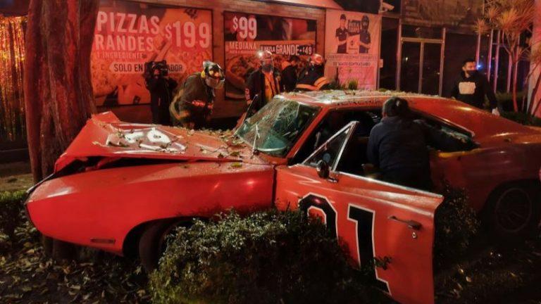 Una réplica del General Lee se estrelló en Ciudad de México