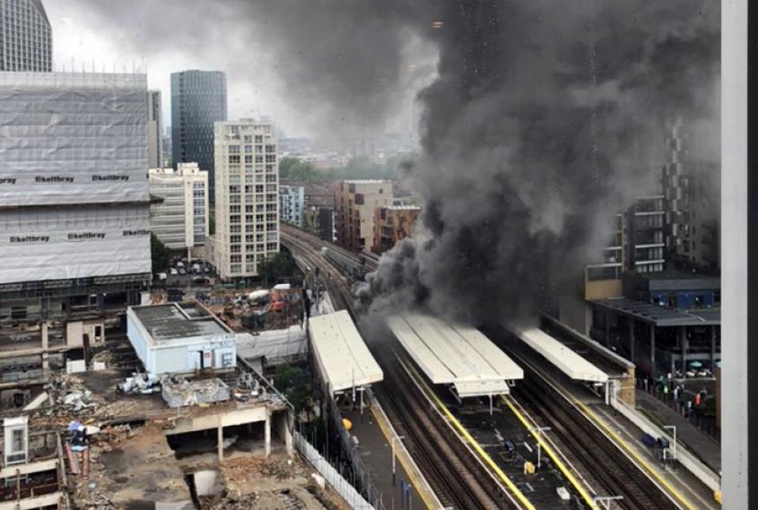 Fuerte explosión en estación de tren de Londres - Fuerte explosión en estación de tren de Londres